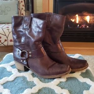 Steve Madden Shoes - Steve Madden brown leather boots size 9